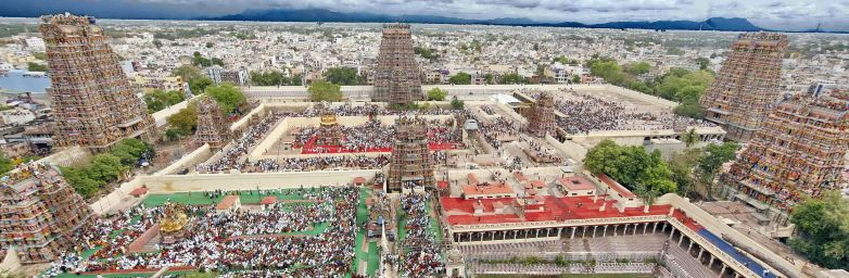 1920px-An_aerial_view_of_Madurai_city_from_atop_of_Meenakshi_Amman_temple
